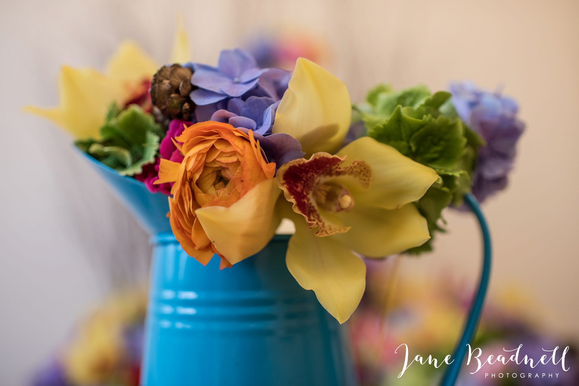 Leafy couture wedding flowers wedding photography by Jane Beadnell photography_0001