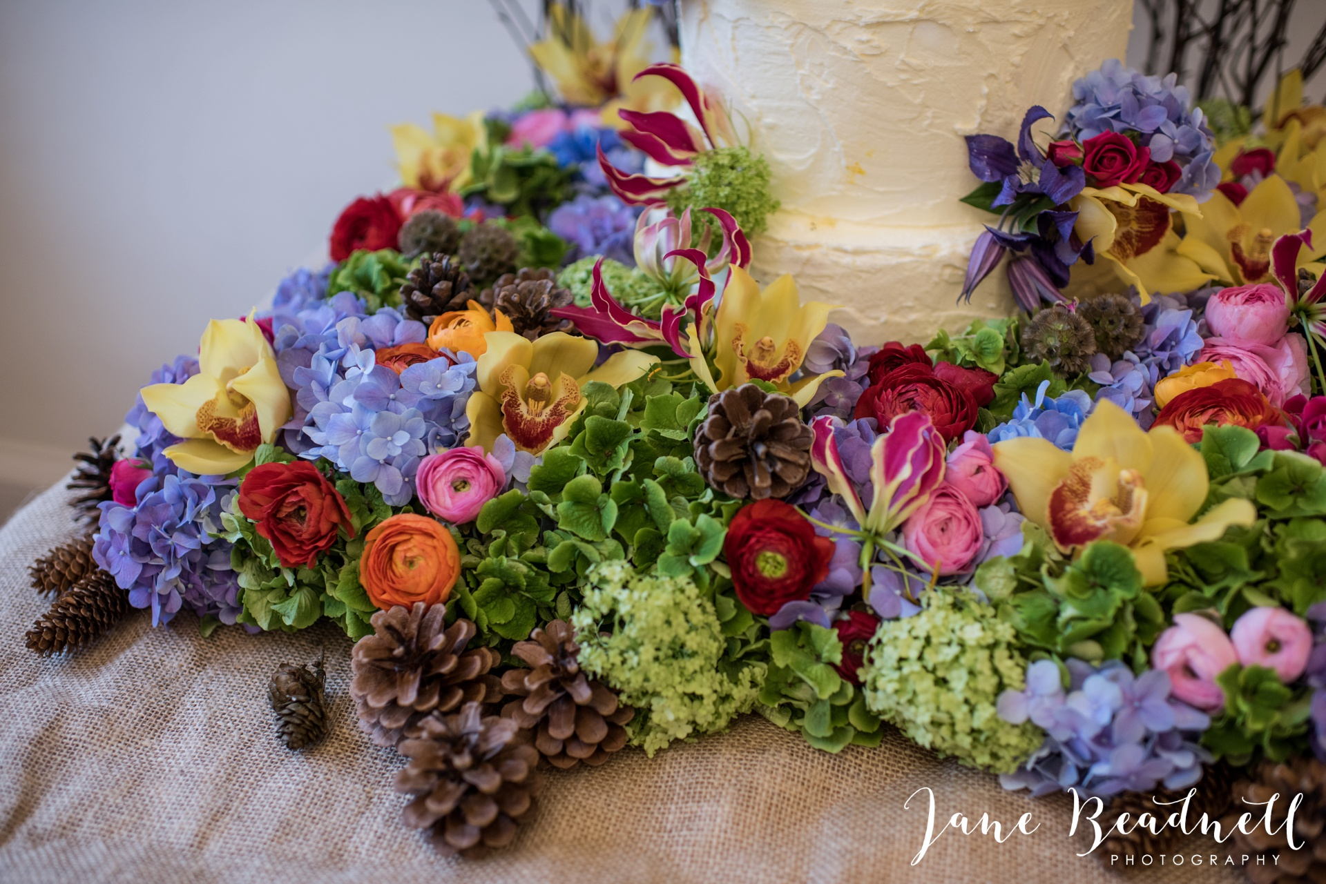 Leafy couture wedding flowers wedding photography by Jane Beadnell photography_0006