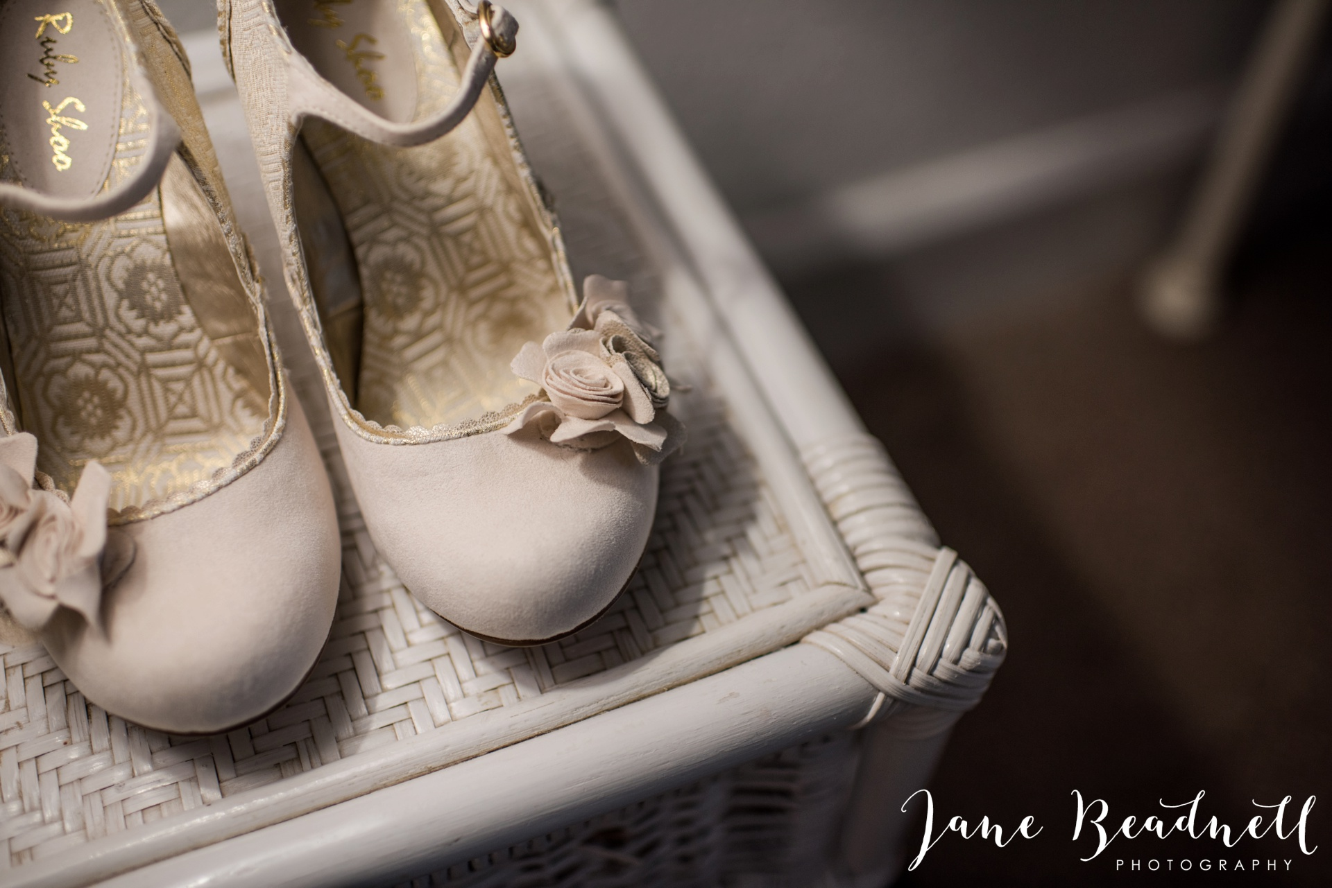 The Kingcote Barn Bristol Yorkshire and destination wedding photographer Jane Beadnell Photography_0002