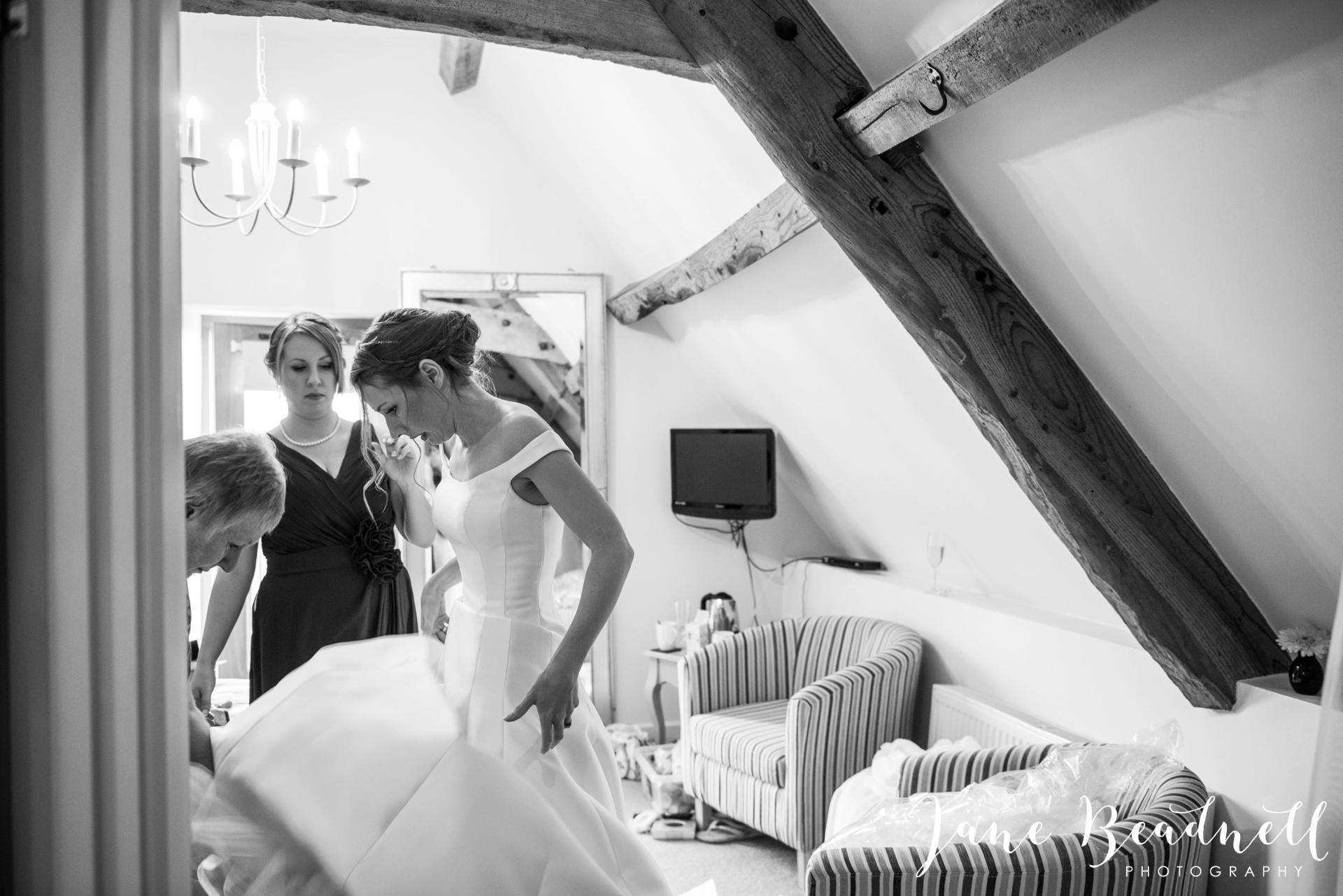 The Kingcote Barn Bristol Yorkshire and destination wedding photographer Jane Beadnell Photography_0020