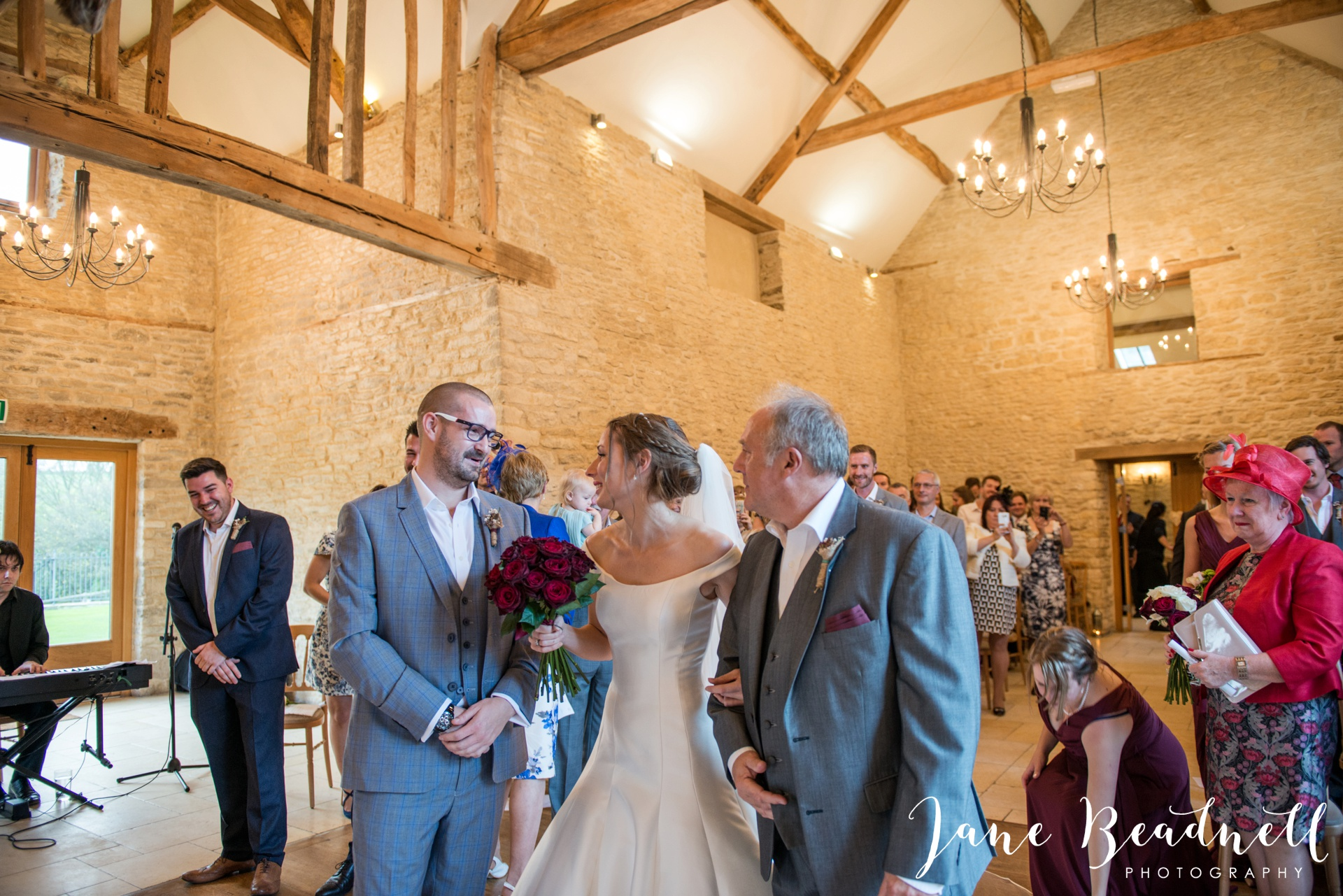 The Kingcote Barn Bristol Yorkshire and destination wedding photographer Jane Beadnell Photography_0040