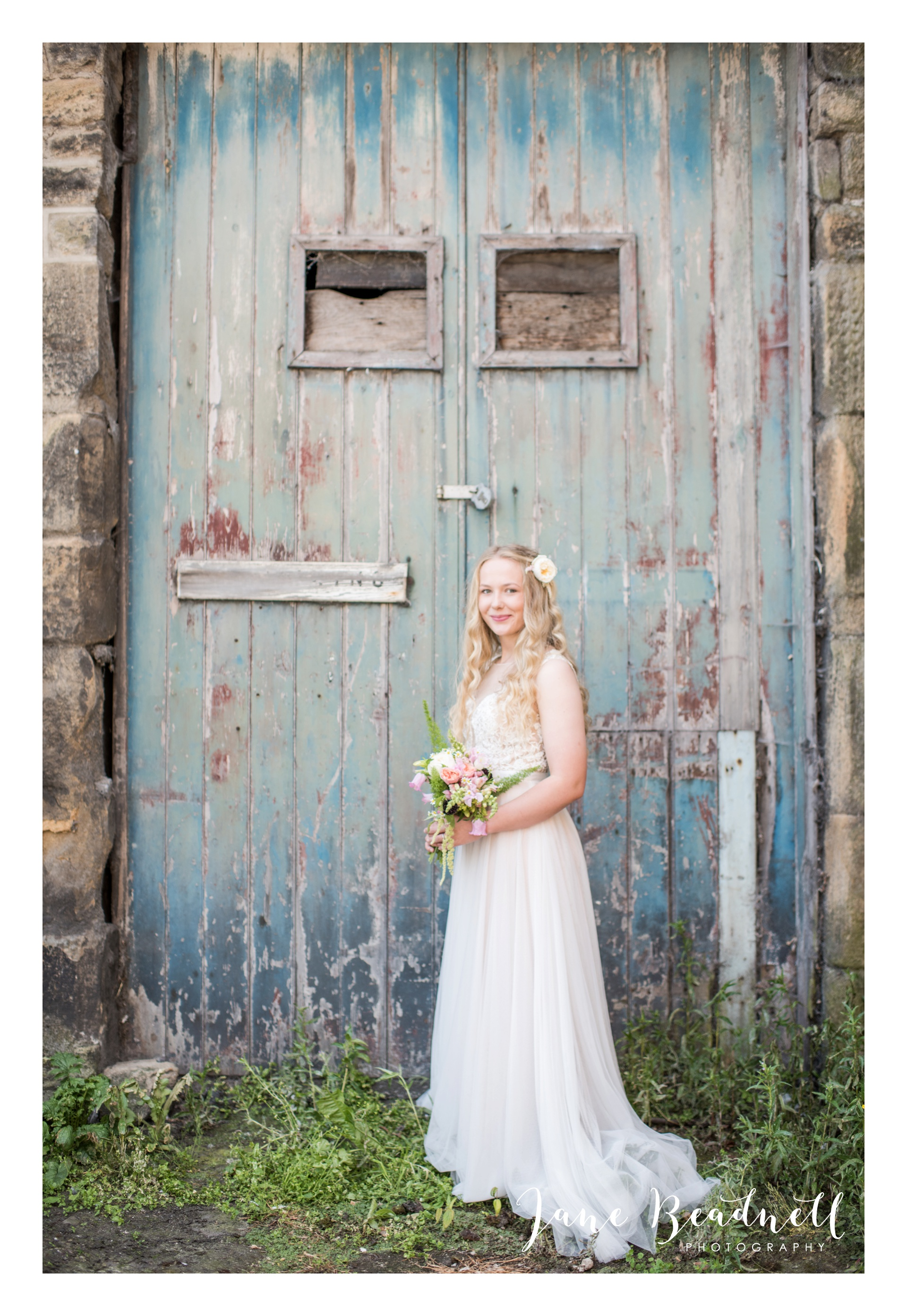 Fine art wedding photography by Jane Beadnell Photography Leafy Couture wedding flowers_0039