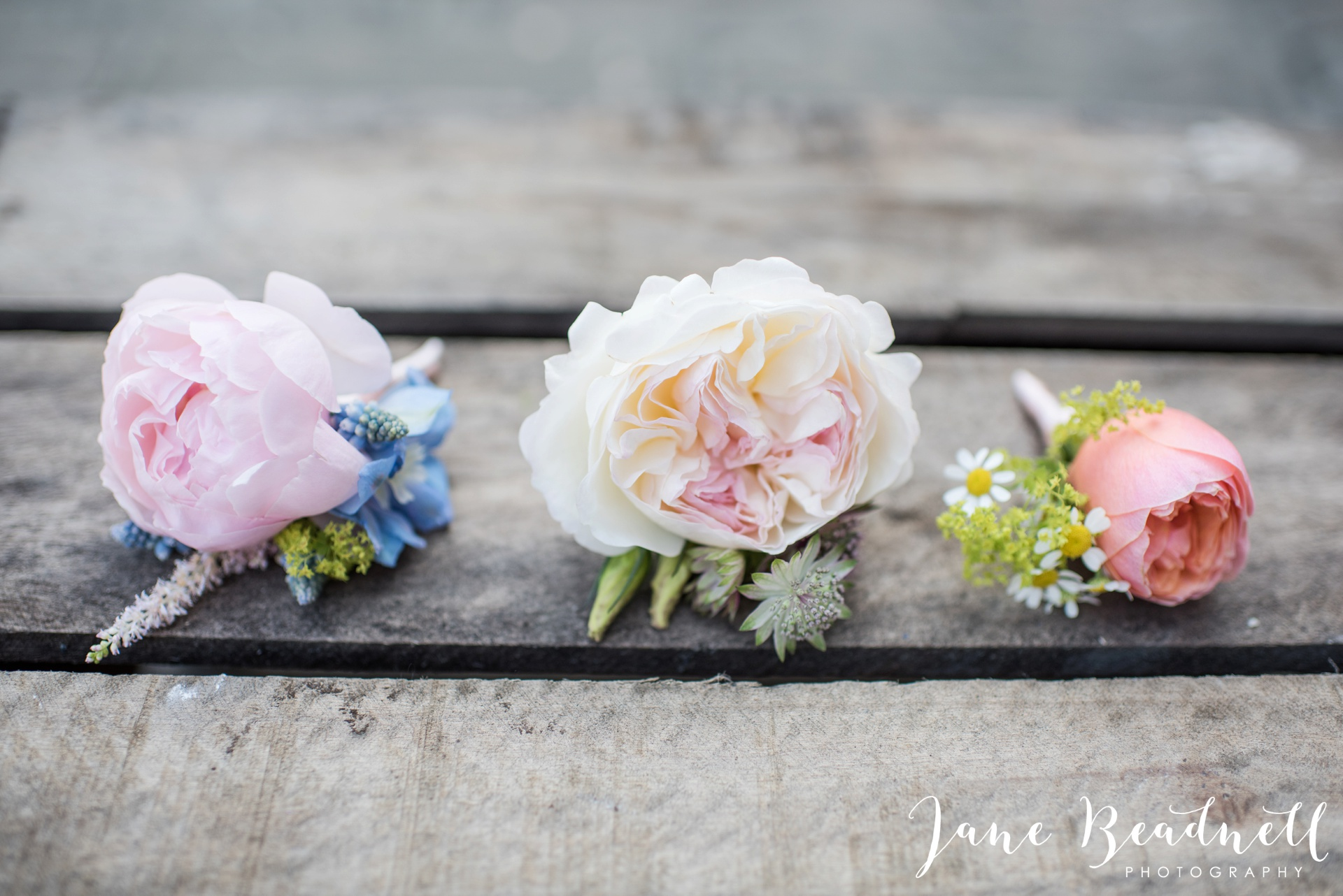 Fine art wedding photography by Jane Beadnell Photography Leafy Couture wedding flowers_0048