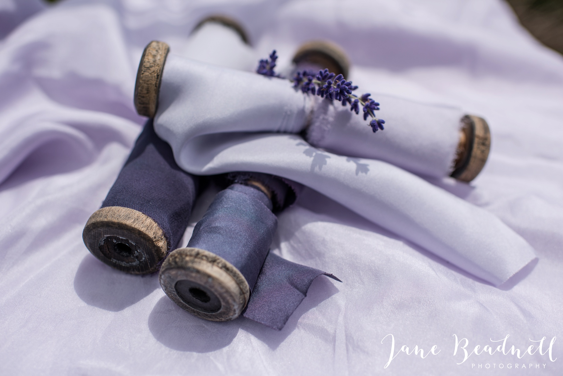 Cotswold Lavender wedding photography by Jane Beadnell Photography_0008