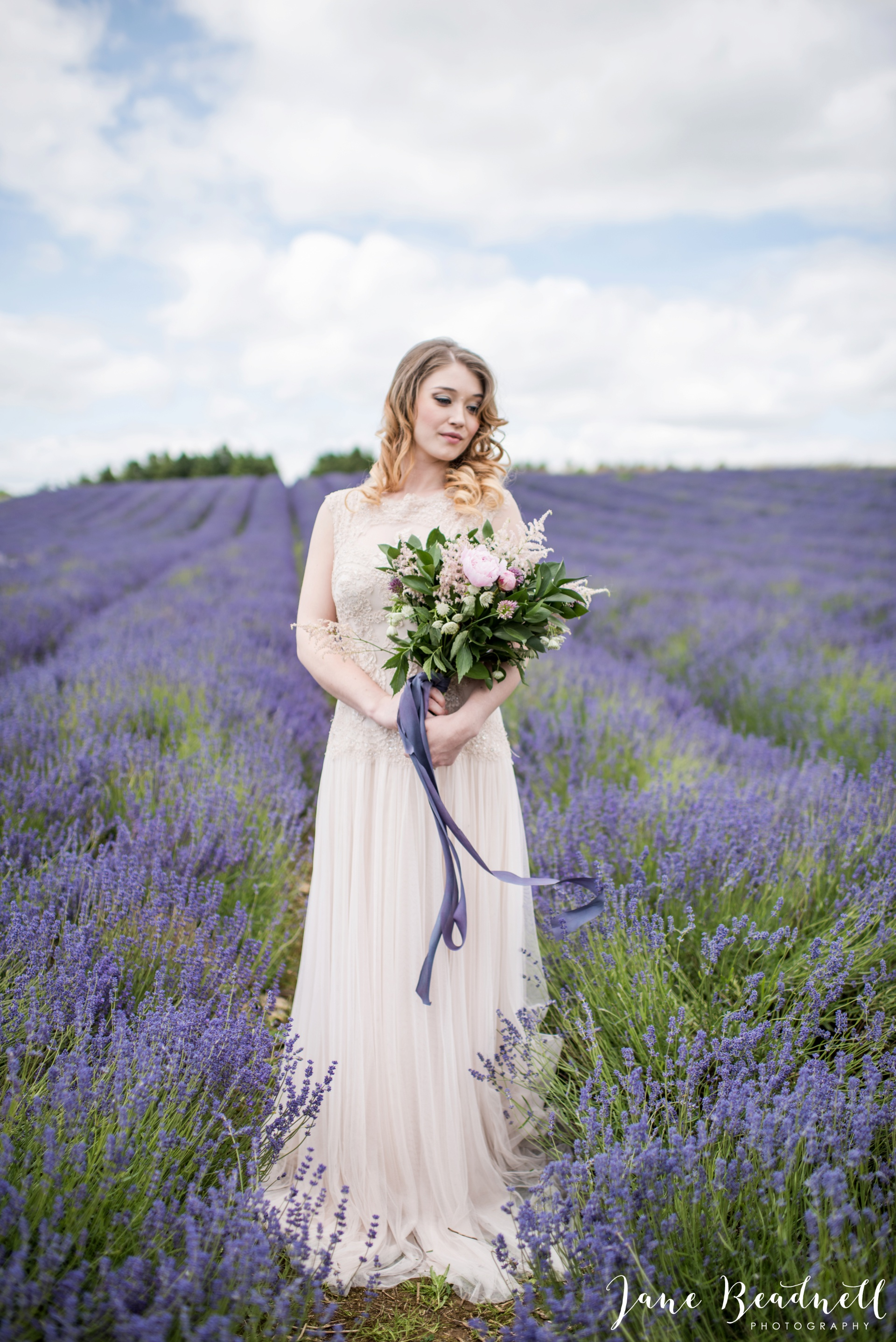 Cotswold Lavender wedding photography by Jane Beadnell Photography_0017
