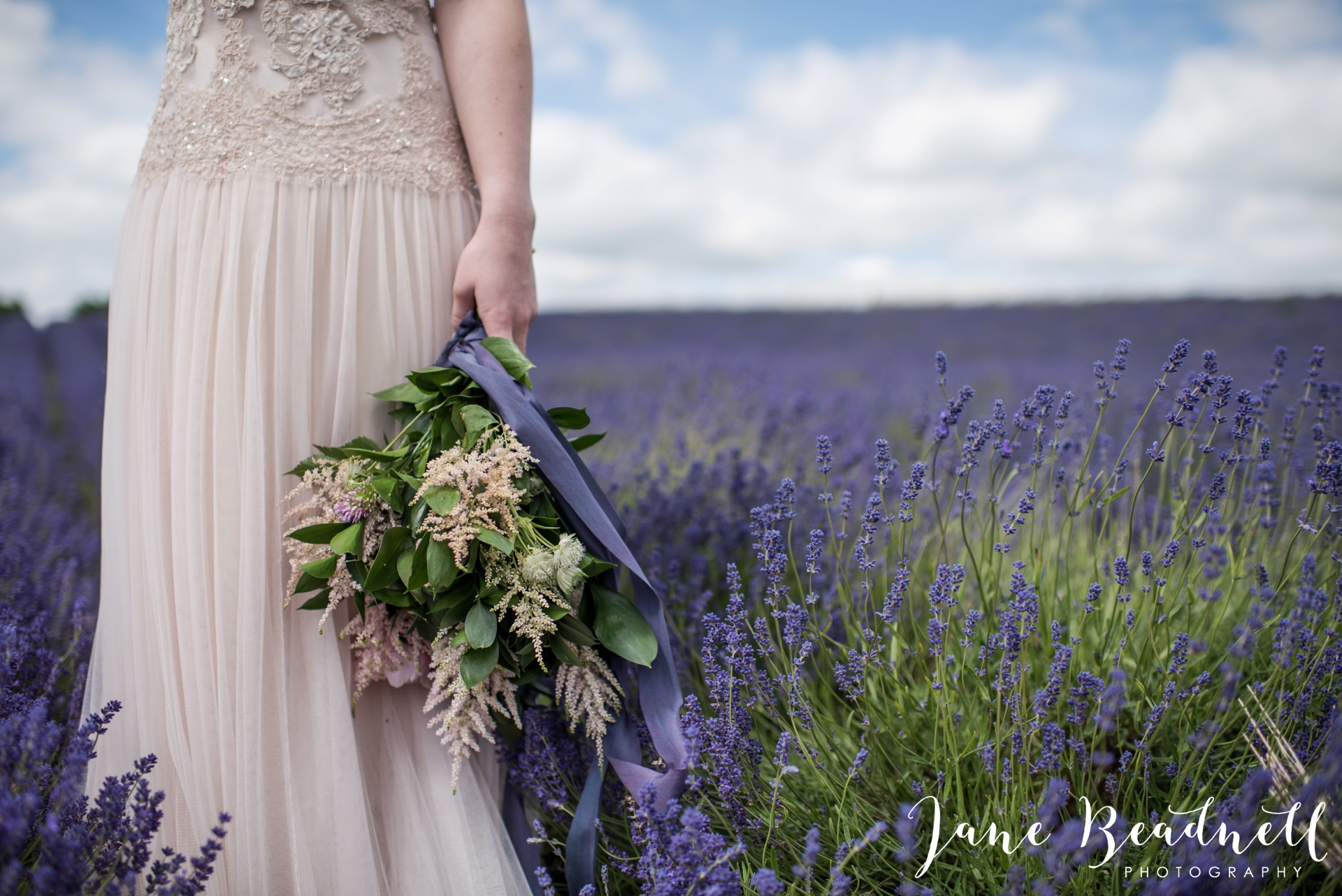 Cotswold Lavender wedding photography by Jane Beadnell Photography_0020