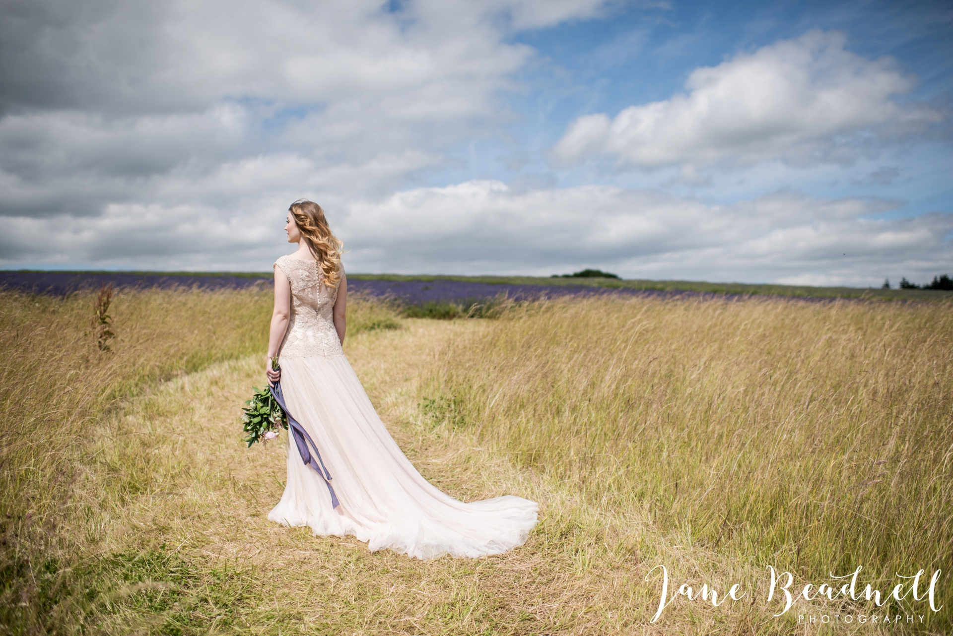 Cotswold Lavender wedding photography by Jane Beadnell Photography_0024