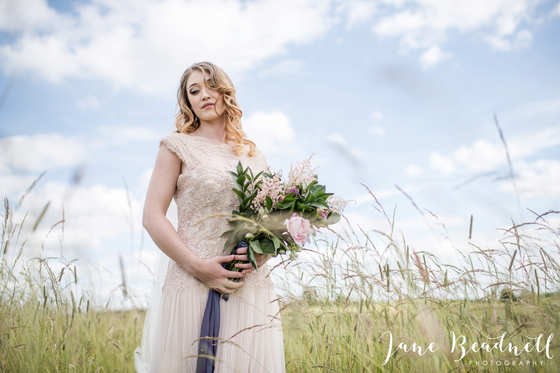 Cotswold Lavender wedding photography by Jane Beadnell Photography_0047