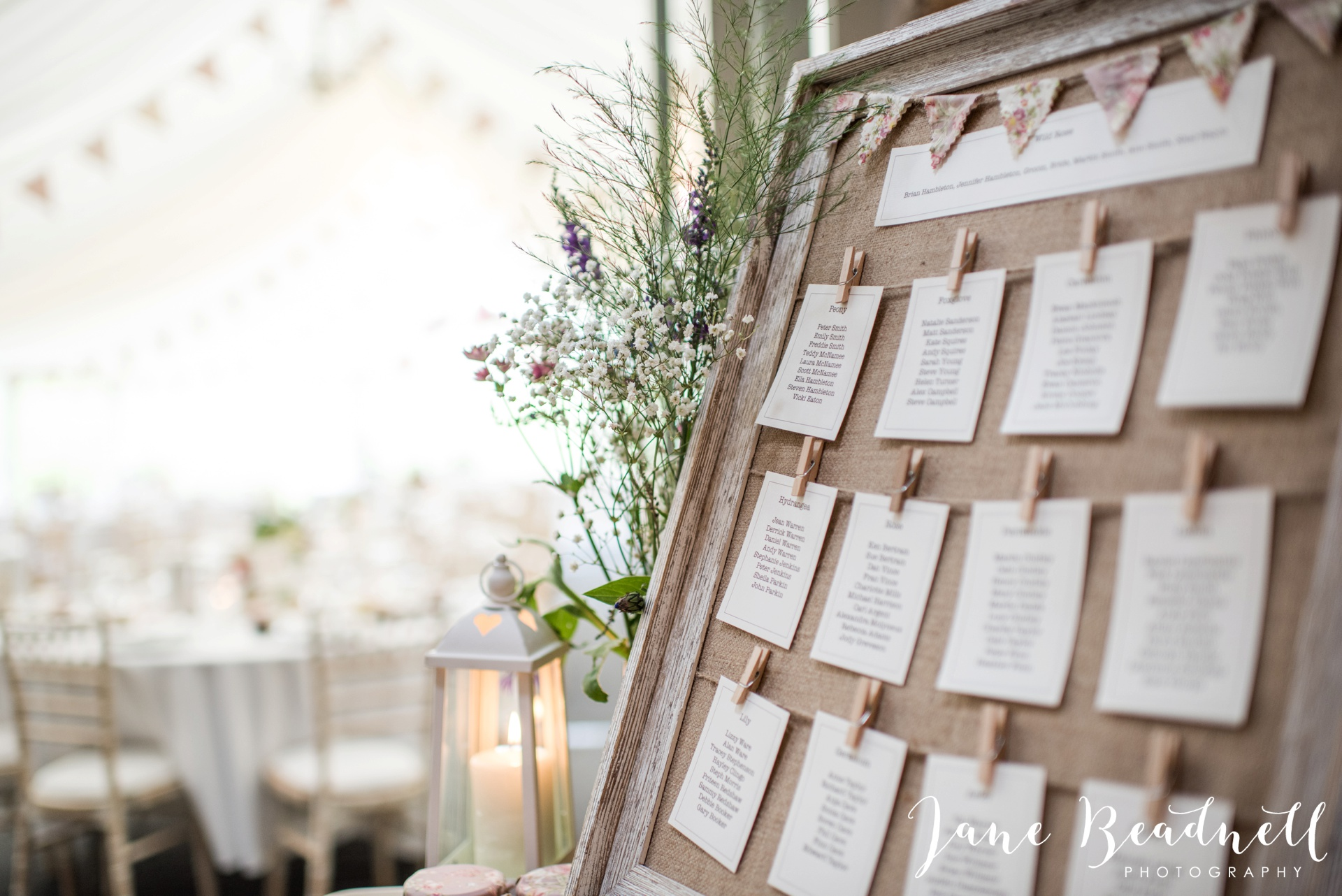 Yorkshire Wedding Photography the cheerful Chilli Barn Wedding by Jane Beadnell Photography_0111