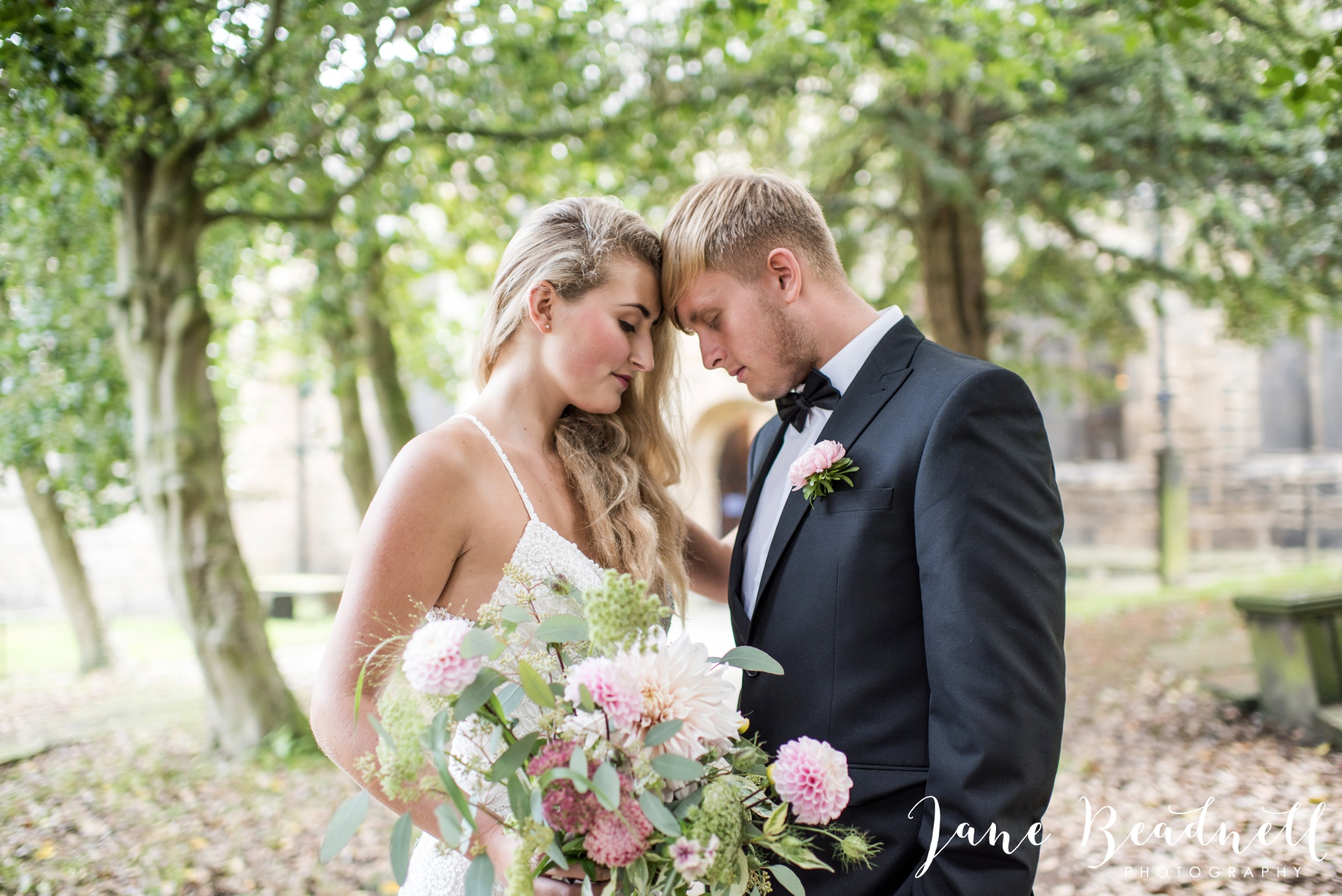 yorkshire-fine-art-wedding-photographer-jane-beadnell-photography-with-leafy-couture-wedding-flowers_0001