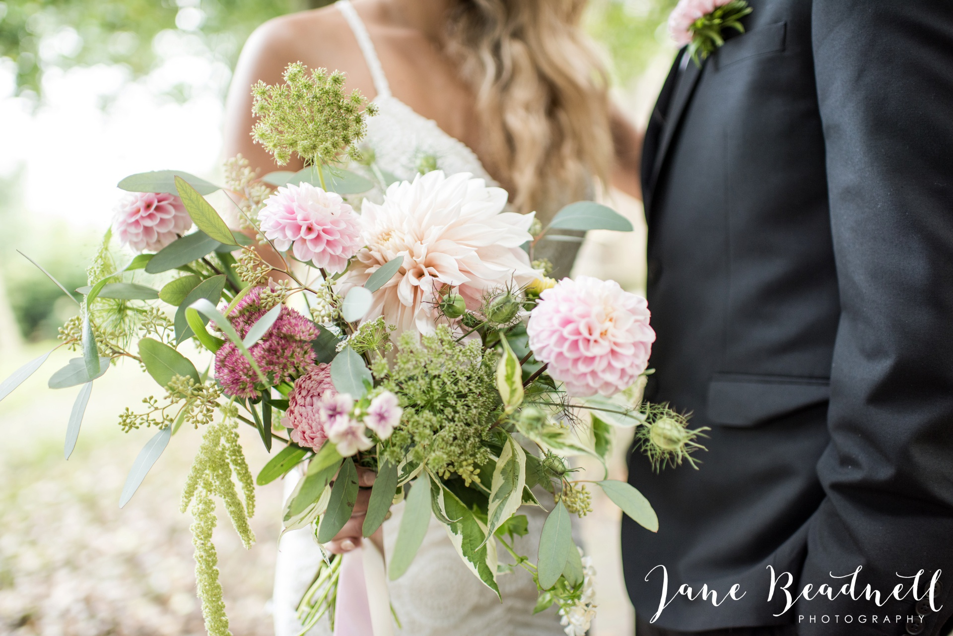 yorkshire-fine-art-wedding-photographer-jane-beadnell-photography-with-leafy-couture-wedding-flowers_0004
