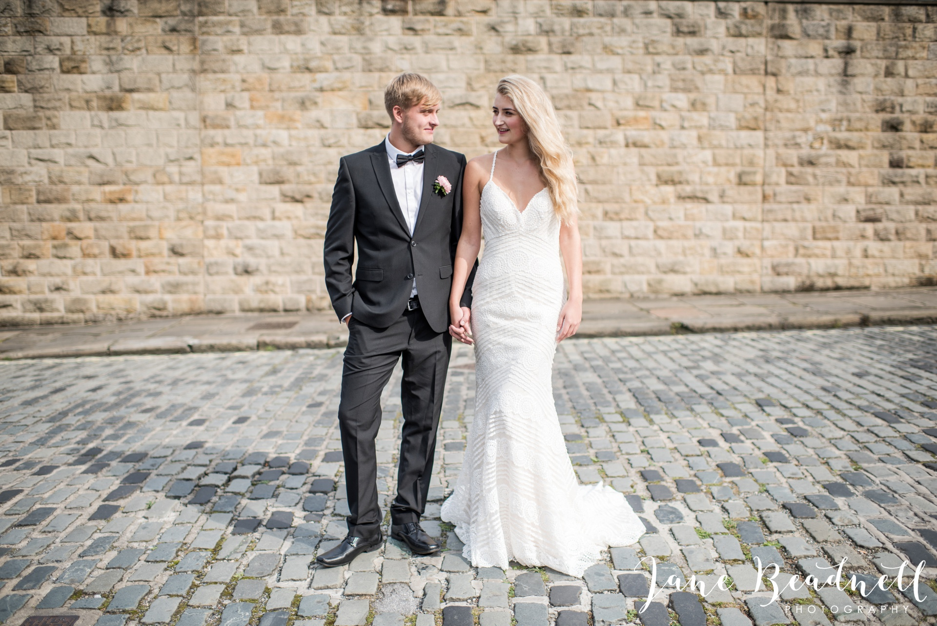 yorkshire-fine-art-wedding-photographer-jane-beadnell-photography-with-leafy-couture-wedding-flowers_0019