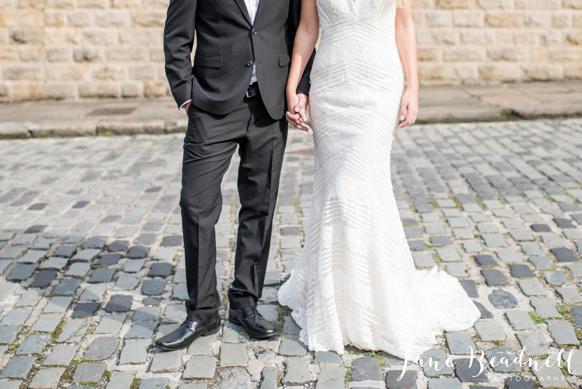 yorkshire-fine-art-wedding-photographer-jane-beadnell-photography-with-leafy-couture-wedding-flowers_0021