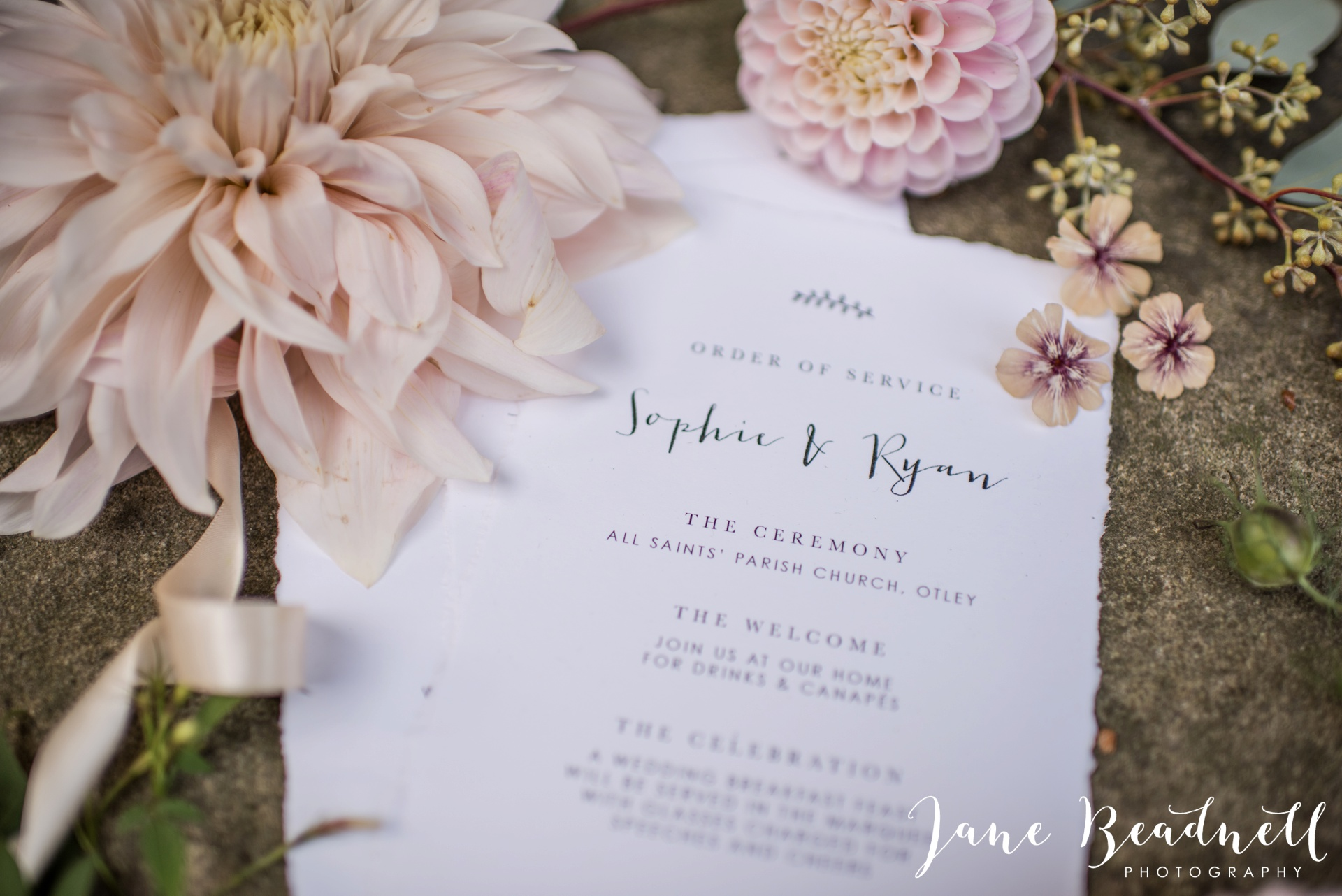 yorkshire-fine-art-wedding-photographer-jane-beadnell-photography-with-leafy-couture-wedding-flowers_0031