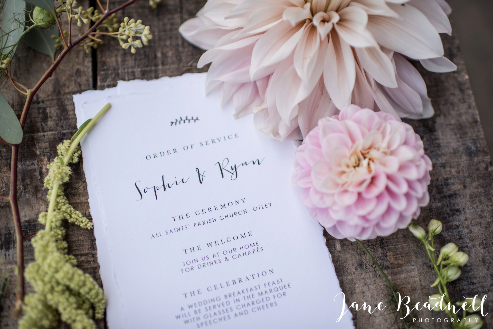 yorkshire-fine-art-wedding-photographer-jane-beadnell-photography-with-leafy-couture-wedding-flowers_0033