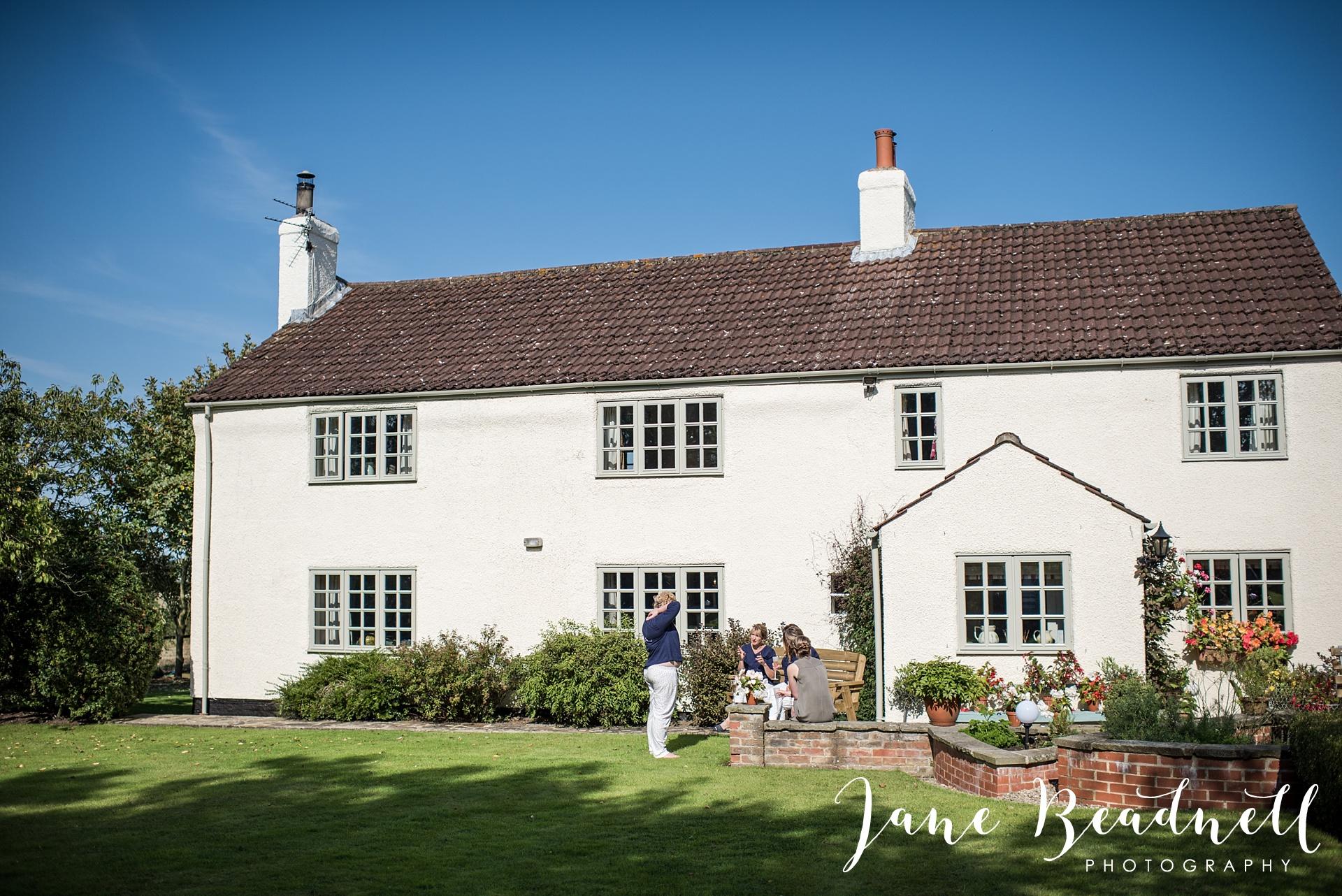 fine-art-wedding-photographer-jane-beadnell-yorkshire-wedding-photographer-garden-wedding_0010