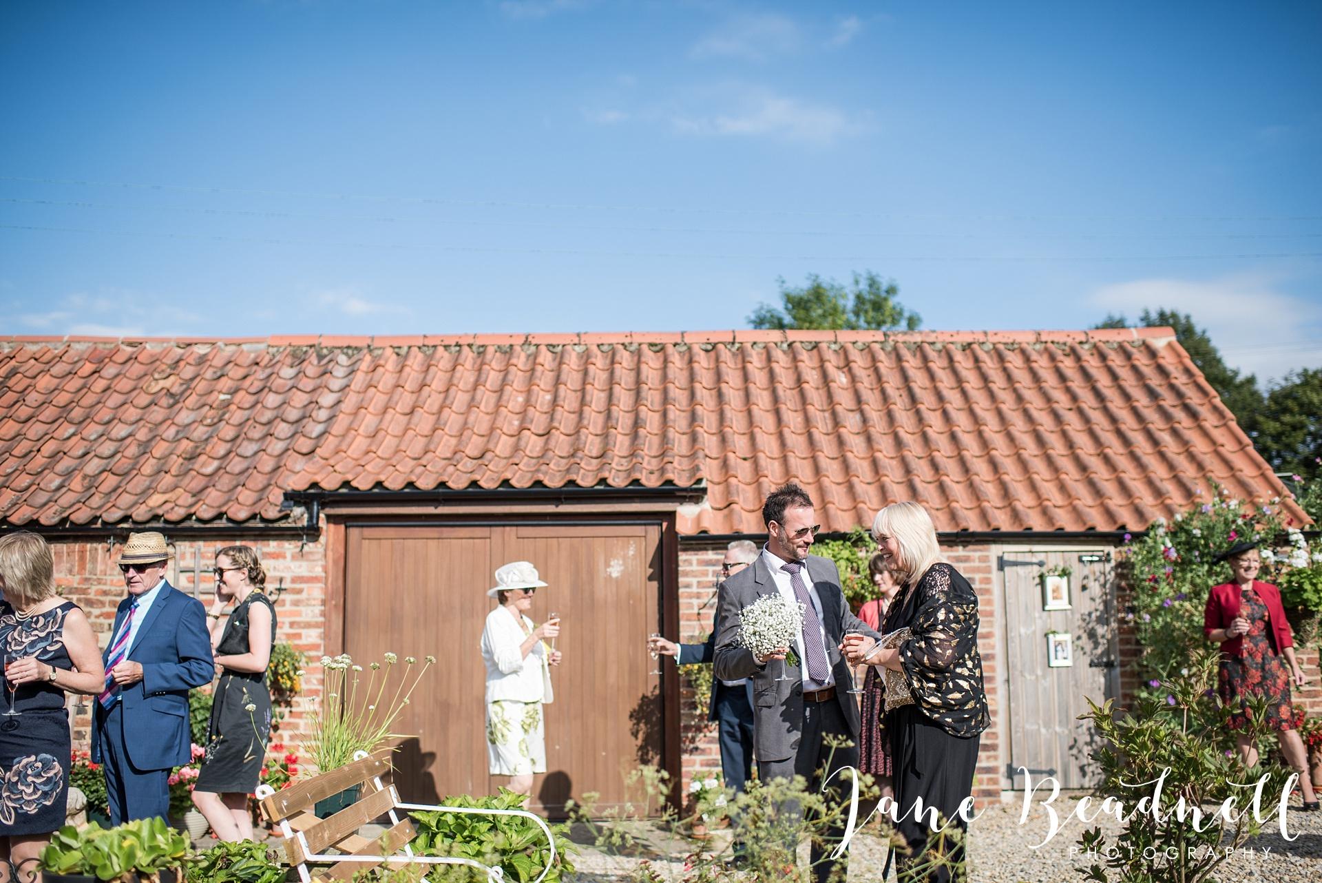 fine-art-wedding-photographer-jane-beadnell-yorkshire-wedding-photographer-garden-wedding_0075
