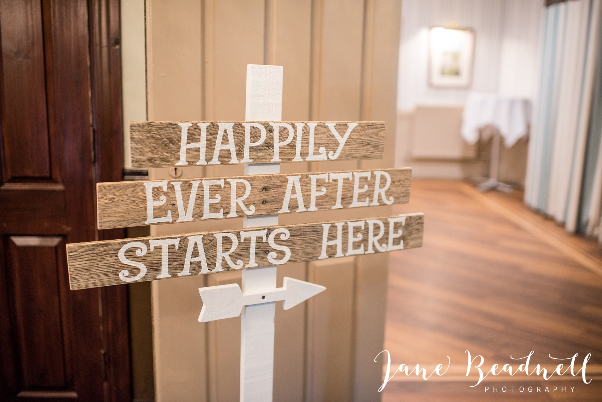 Otley Chevin Lodge wedding photography by Jane Beadnell Photography Leeds_0124
